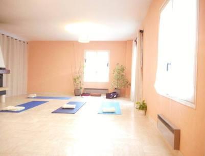 salle, seance en groupe, collective, sophrologie , yoga, relaxation, meditation